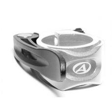 Эксцентрик с зажимом седла AQR-C11- d. 34,9 mm, черно белый